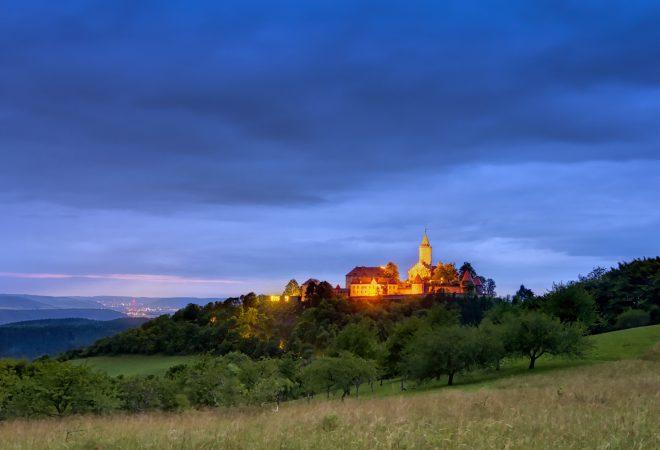 2 Seit 800 Jahren thront die Leuchtenburg