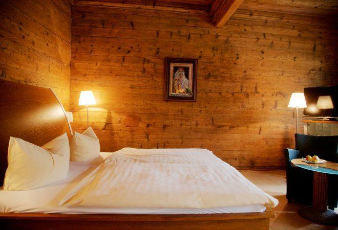 Genussreise 0_TischkulTour im Saaleland_Hotelzimmer Bohlenstube in der Noll_Peter Eichler