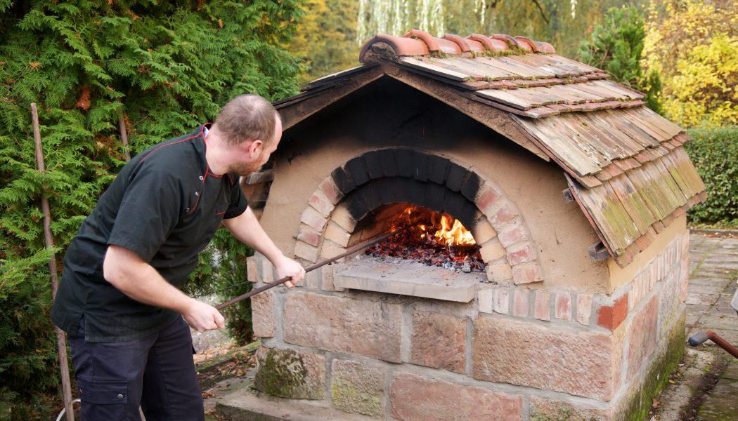 Zubereitung im eigenen Steinofen
