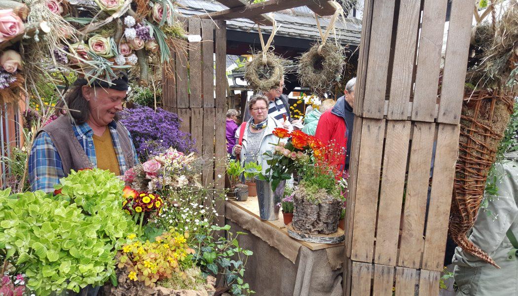 Blumenstand zum Frühlingsmarkt_Kulturhof Zickra